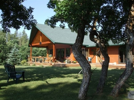 airbnb cody rentals cabins usa vacation wyoming cabin hotels article airbnbs in
